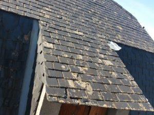 charpentier-couvreur-rparation-de-tuiles-casses-nettoyage-demoussage-de-toit-couverture